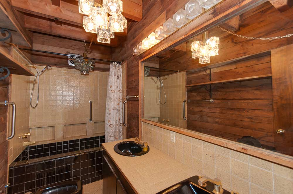 1974 time capsule groove pad in norfolk virginia retro - Black and beige bathroom ...