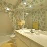 retro-80s-wallpapered-bathroom