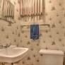 vintage-wallpaper-bathroom