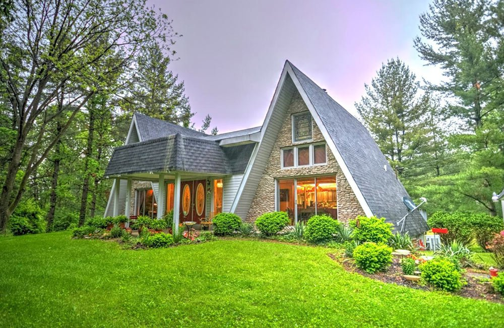 A 1974 double A-frame time capsule house: Twice the fun ...