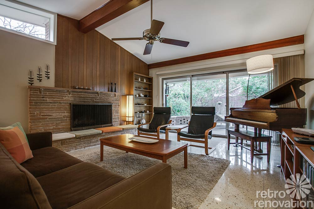 Great mid century fireplace living room