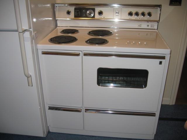 Old Electric Oven ~ Linoleum floors and countertops brighten up dave frances