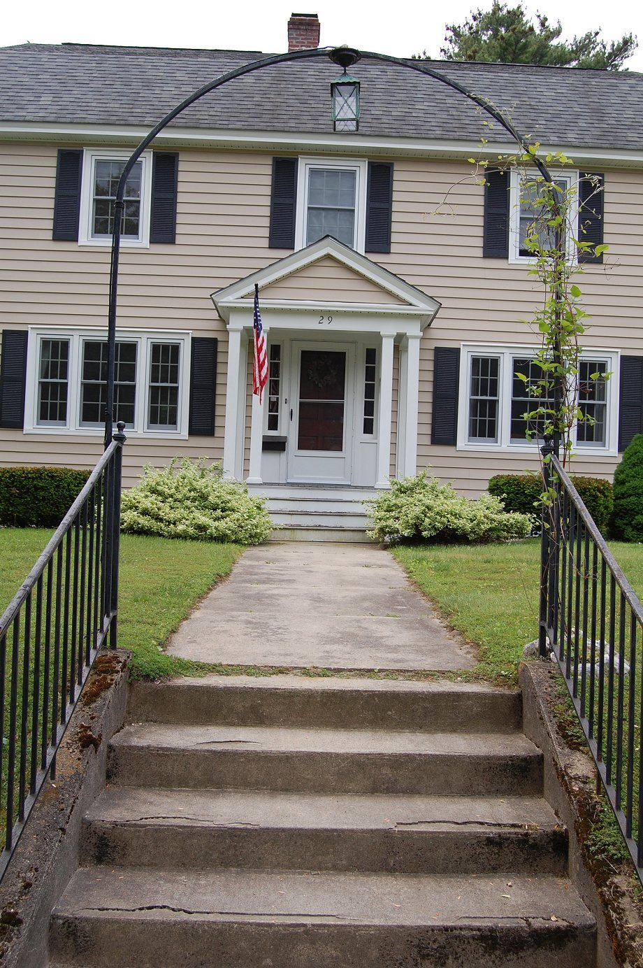 Colonial house entrance joy studio design gallery best for Front doors for colonial homes