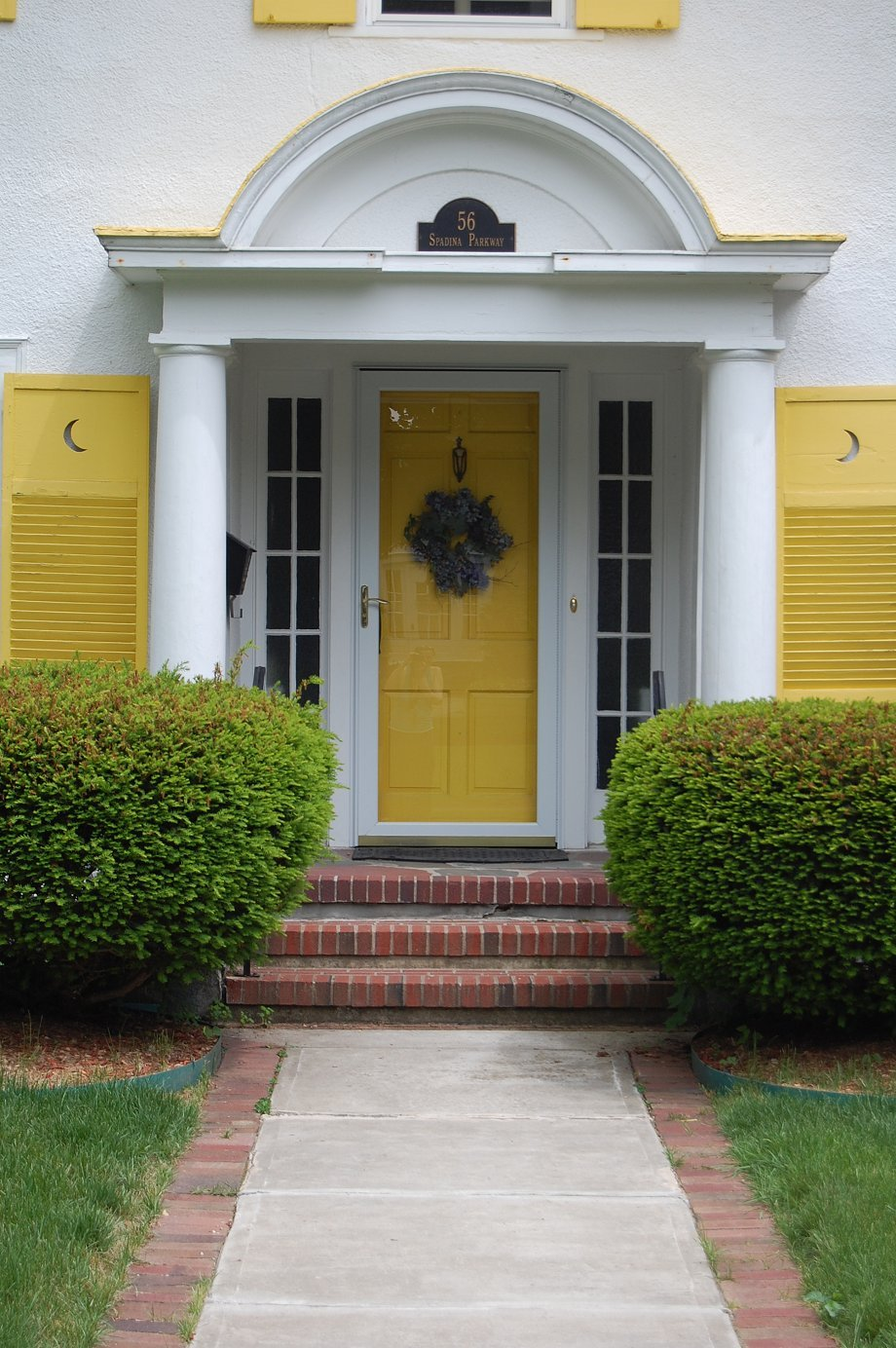38 pretty front doors upload a photo of your front door for Feng shui back door