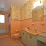 vintage-pink-and-aqua-bathroom