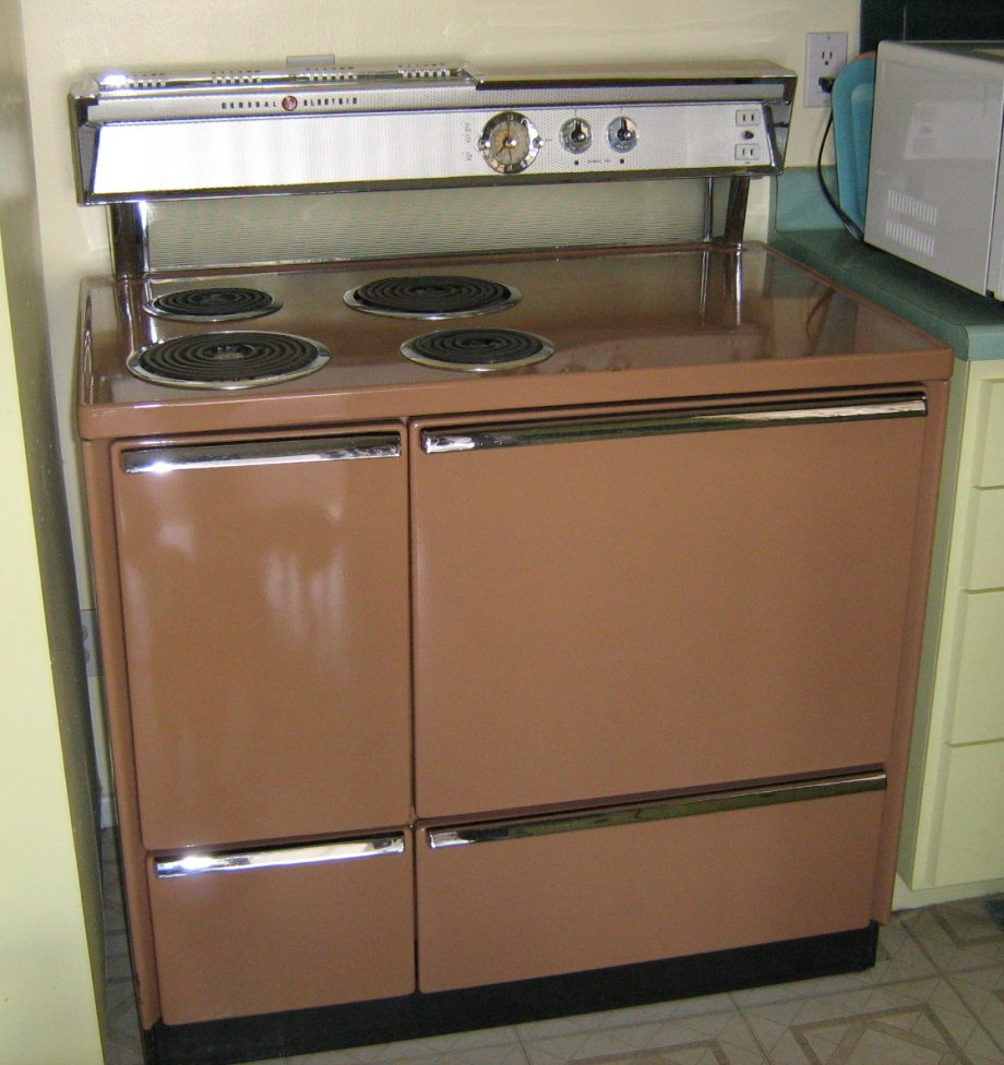 Antique General Electric Range Stoves ~ Matchy kitchen magic for jacquie but what is the
