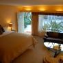 joe-nikki-retro-california-honeymoon-vintage-hotel-suite