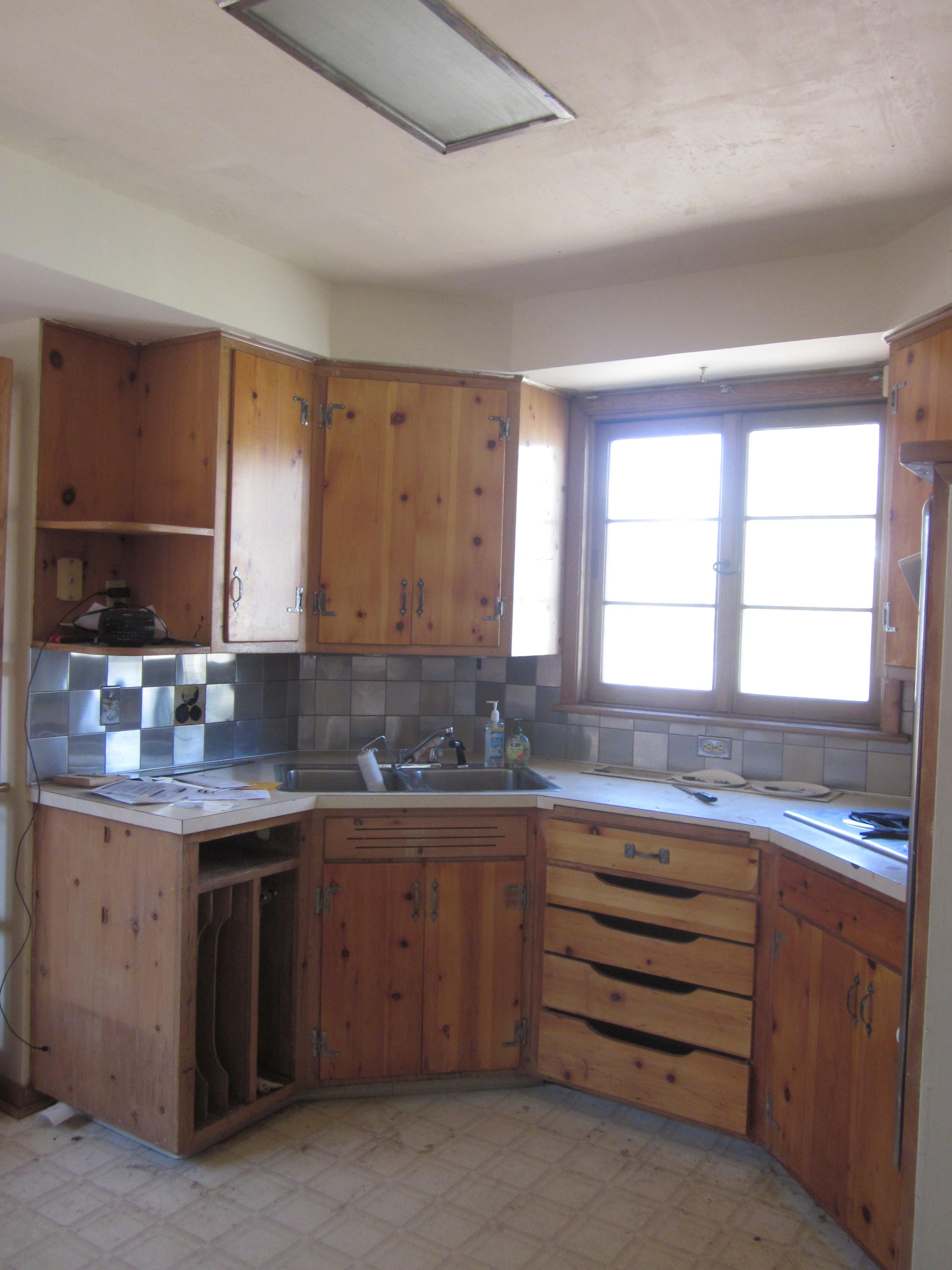 Knotty Pine Rooms: Kitchen1-5c4fe8405557223ac8b80cac22397c7b777226c3