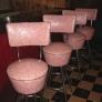 pink-stools2-2b535debf350b1b189c473fe8e42951768f2e51a