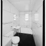 lustron-house-bathroom