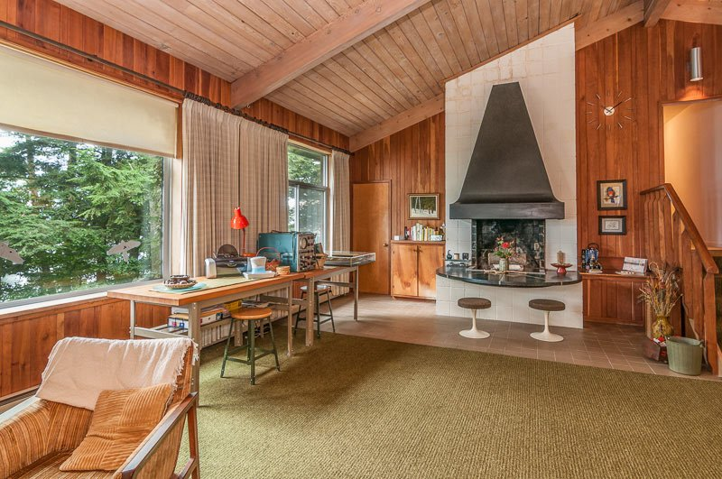 Warm and woodsy 1968 Keck & Keck time capsule house in ...