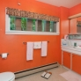 retro-orange-bathroom