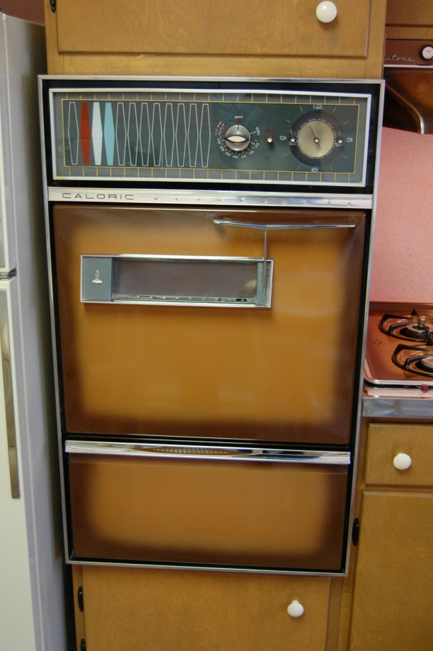 Mid Century Modern Oven ~ Nora s time capsule house retro renovation