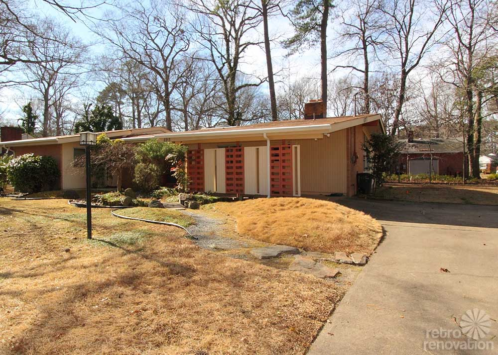 warm and beautiful 1962 mid century modern brick ranch time capsule house norfolk virginia. Black Bedroom Furniture Sets. Home Design Ideas