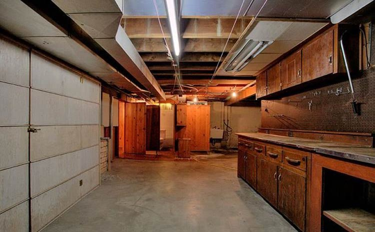 Great partially finished basement