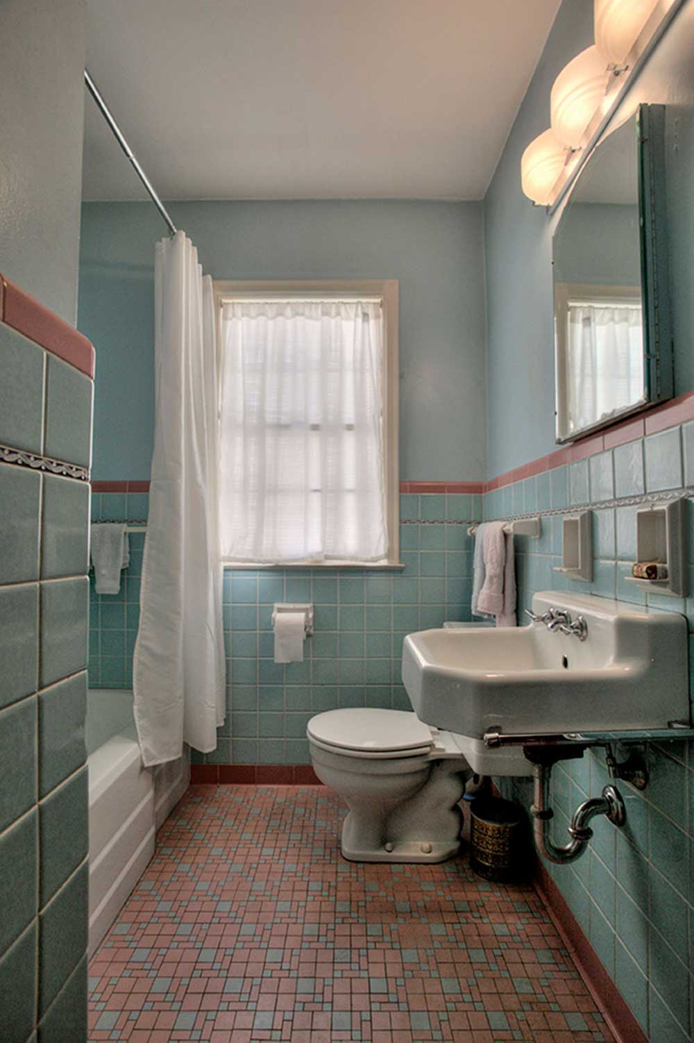 1949 Time Capsule House Filled With Original Charm Retro