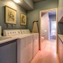midcentury-laundry-room