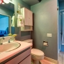 retro-bathroom