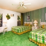 retro-green-and-gold-bedroom