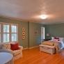 bedroom-with-wood-flooring