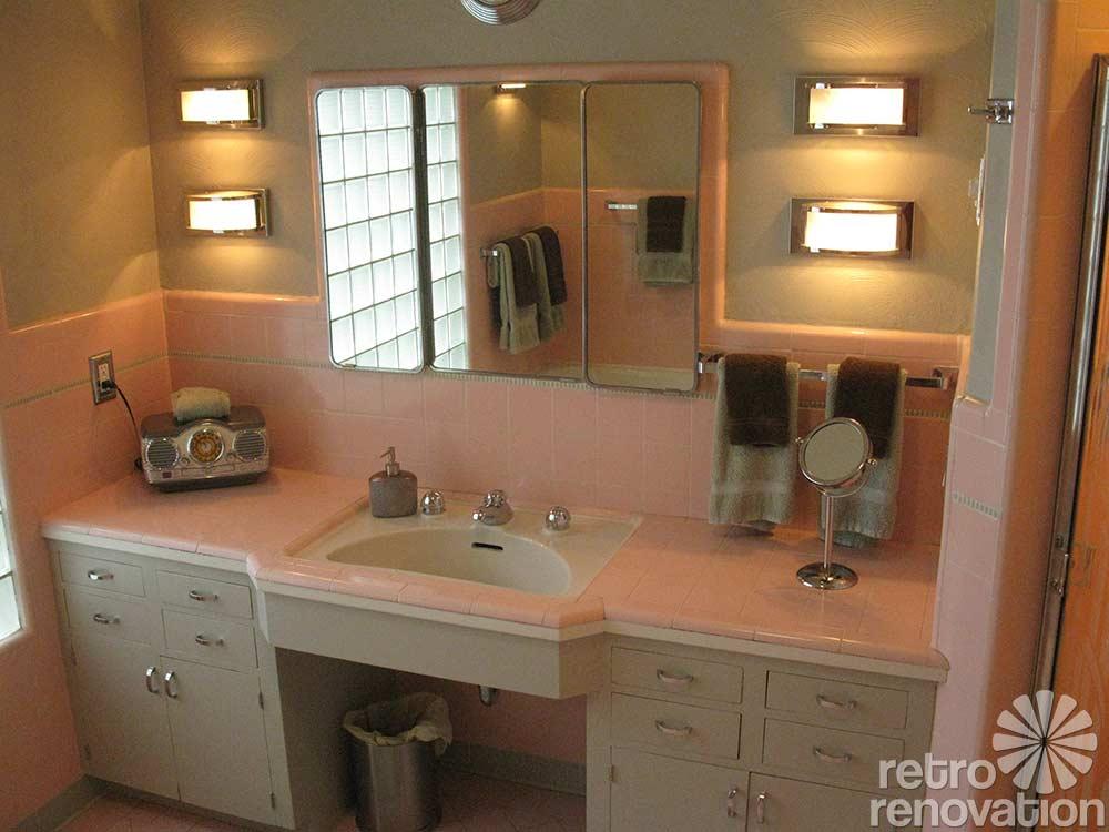 Vintage bathroom tile 171 photos of readers 39 bathroom for Vintage pink bathroom ideas