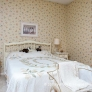 vintage-wallpaper-bedroom