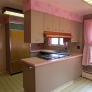 retro-pink-and-beige-kitchen