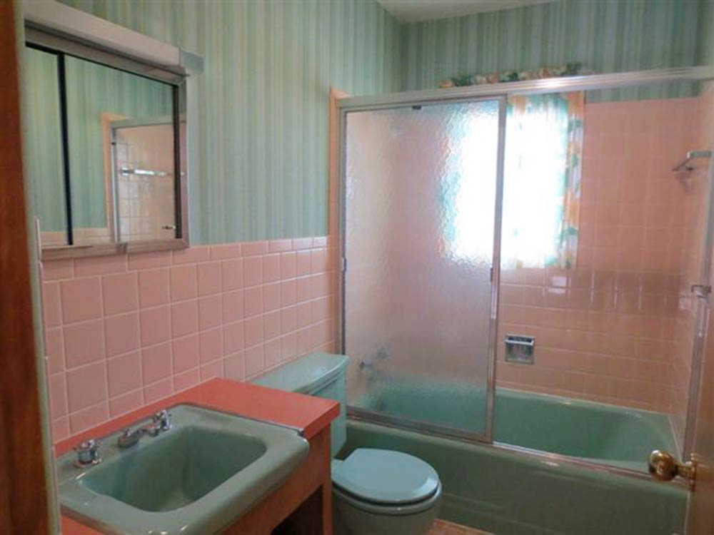 1960 interior design gem 27 photos laramie wy time for 1960s bathroom design