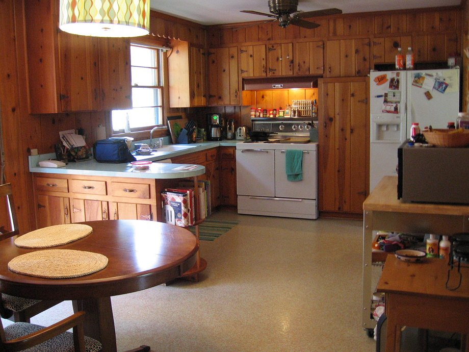 Decorating Ideas For Tracys Knotty Pine Kitchen Readers