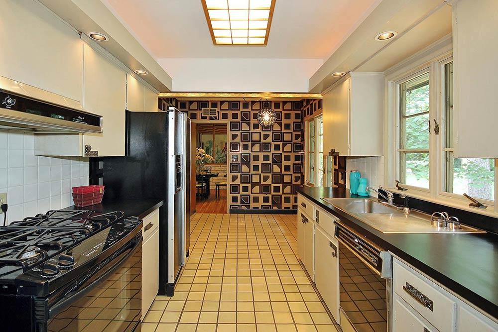 Elegant midcentury s galley kitchen