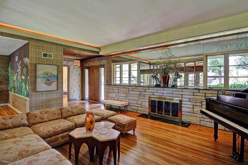 Fresh midcentury asian living room