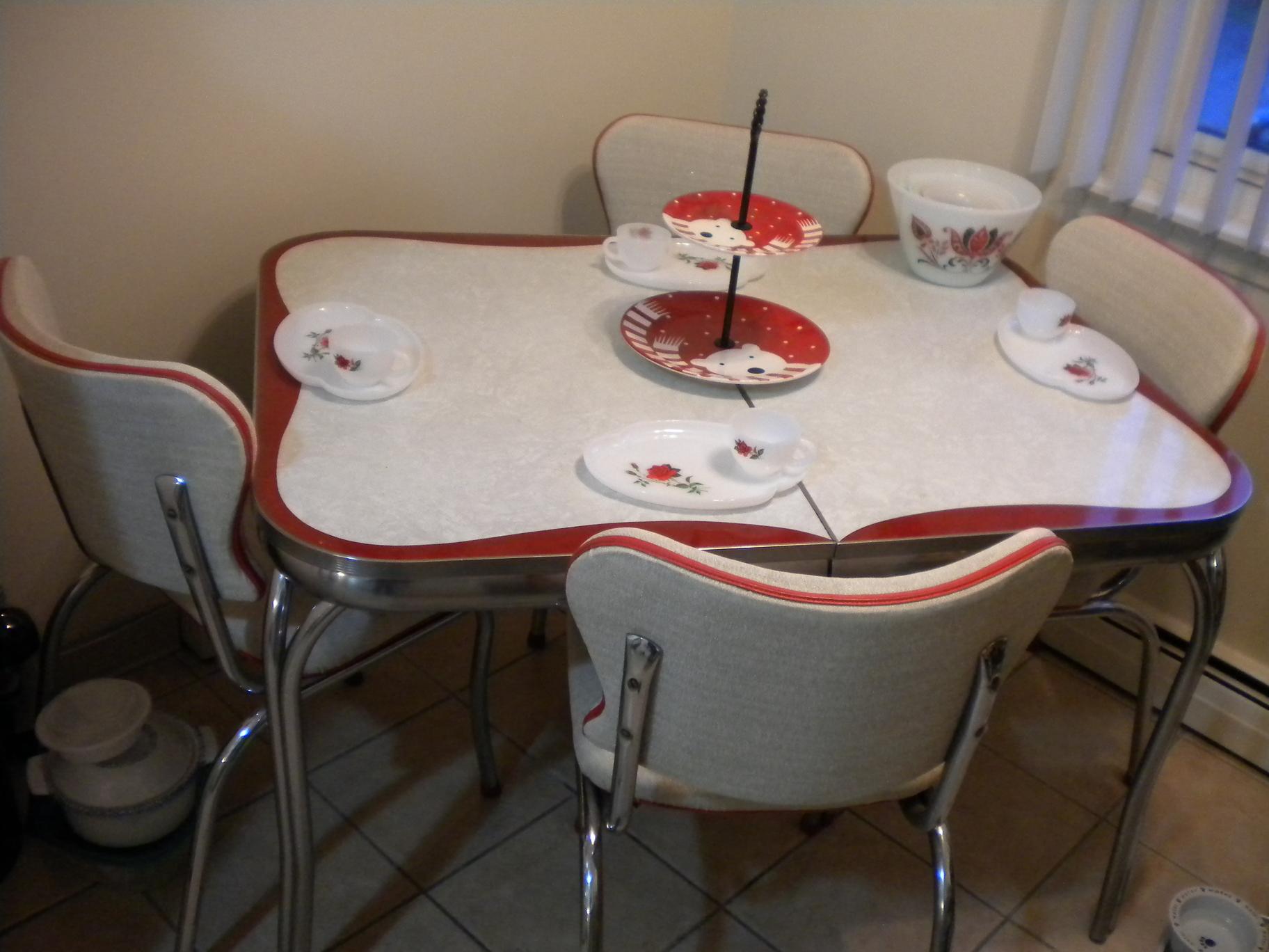 17 best ideas about retro kitchen tables on pinterest vintage retro kitchen table sets Retro Kitchen Furniture Canada Cliff Kitchen