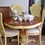 70s-dinette-nicely-shaped-table