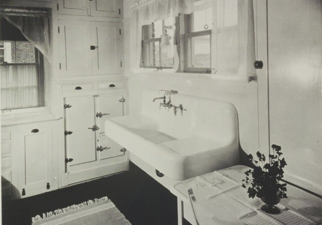 Farmhouse Trough Sink : Here is slide show of 16 vintage Kohler kitchens that give you some ...