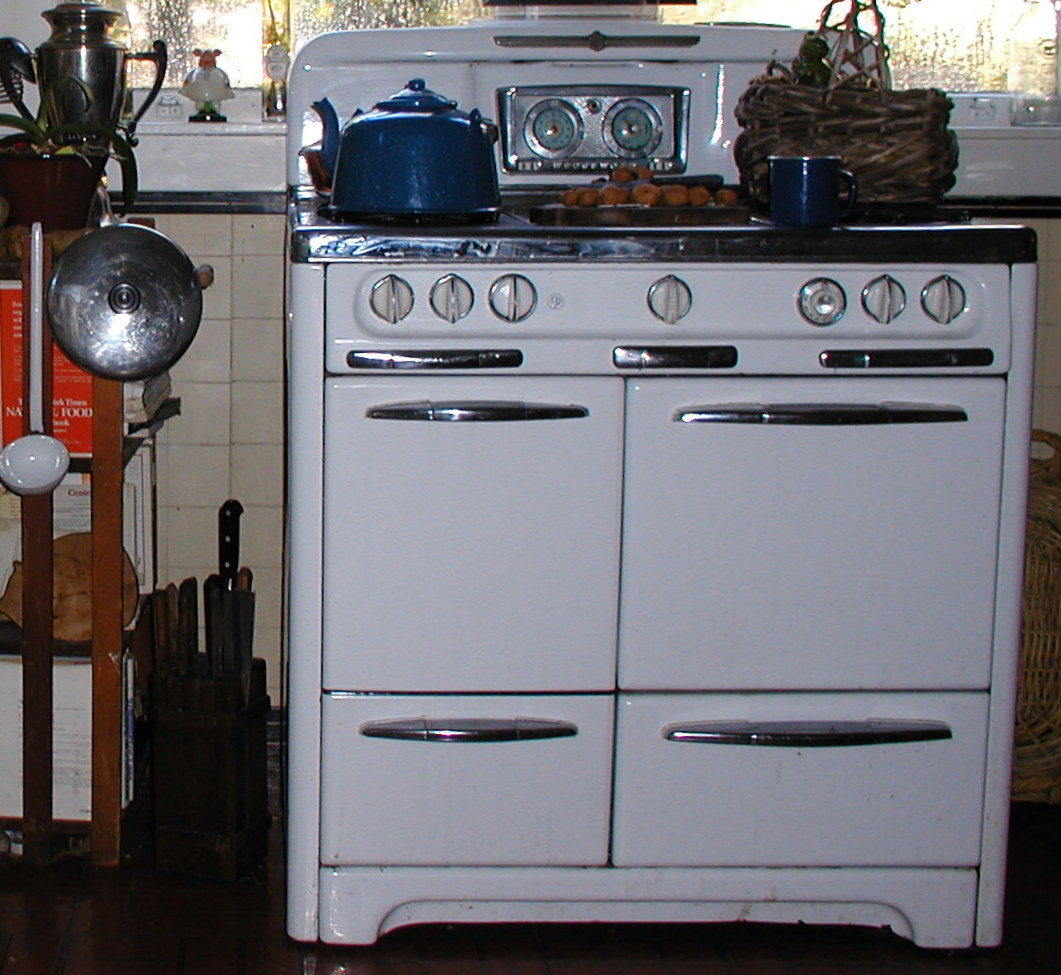 208 Pictures Of Vintage Stoves, Refrigerators And Large