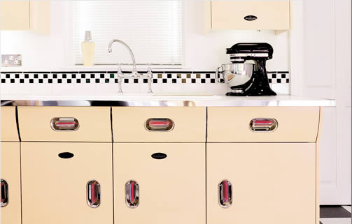 Retro Style Metal Kitchen Cabinets Creme De La The Discovery Of Vintage English Rose
