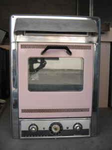 vintage 50s 60s pink kitchen