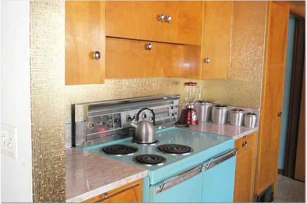 retro kitchen with gold wallpaper