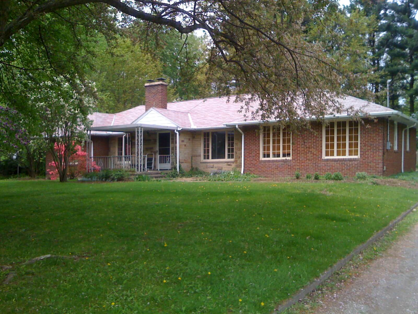 Let 39 s help catherine retro renovate her 1948 ohio ranch for Ranch home builders ohio