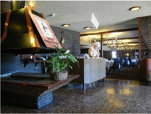 1960 retro restaurant La Villa Basque