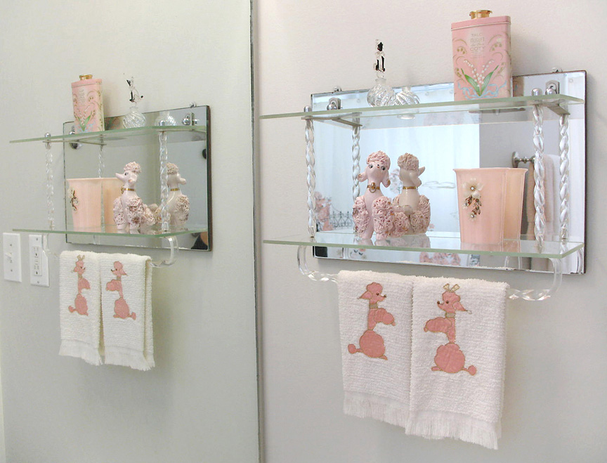 Nancypinkbath1 retro renovation for Funky bathroom accessories