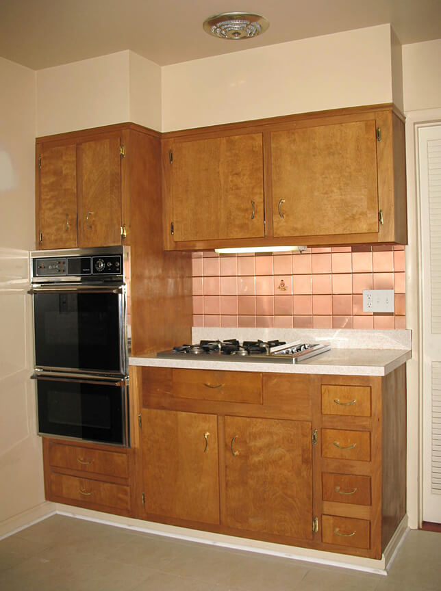 Should nancy paint her vintage wood cabinets retro for Kitchen cabinets 50 style