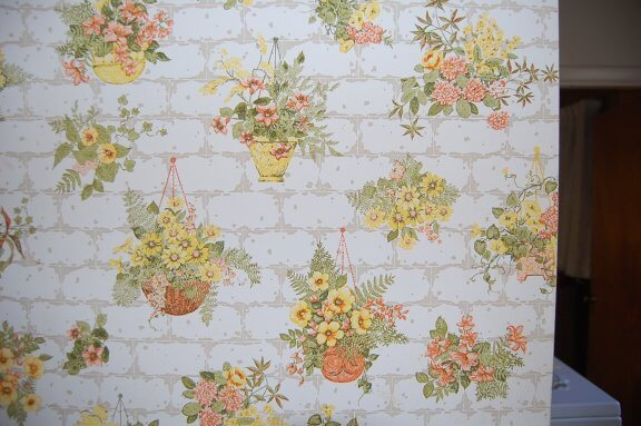 70s-wallpaper-flowers-on-bricks