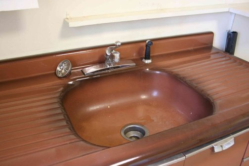 emily-coppertone-wonder-brown-drainboard-sink