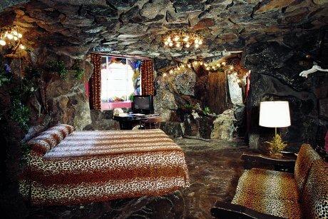 137-caveman-room