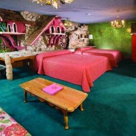bedroom at the madonna inn