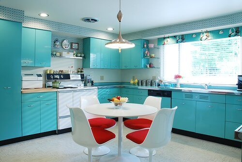 midcentury-kitchen-with-geneva-metal-kitchen-cabinets