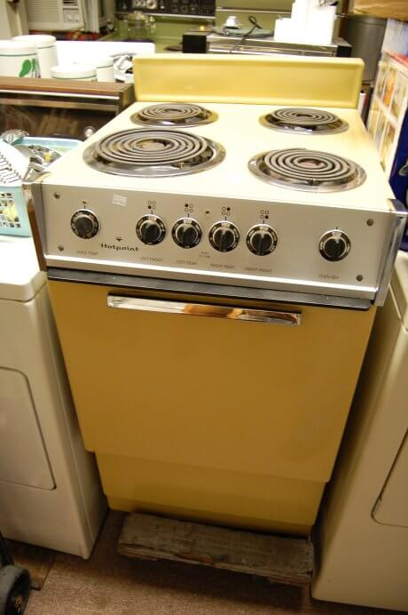 Vintage Harvest Gold Hotpoint Stovetop And Oven Retro
