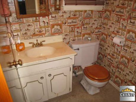 1950-bathroom-vintage-wallpaper