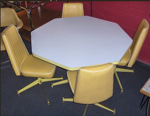 retro-vegas-yellow-dinette